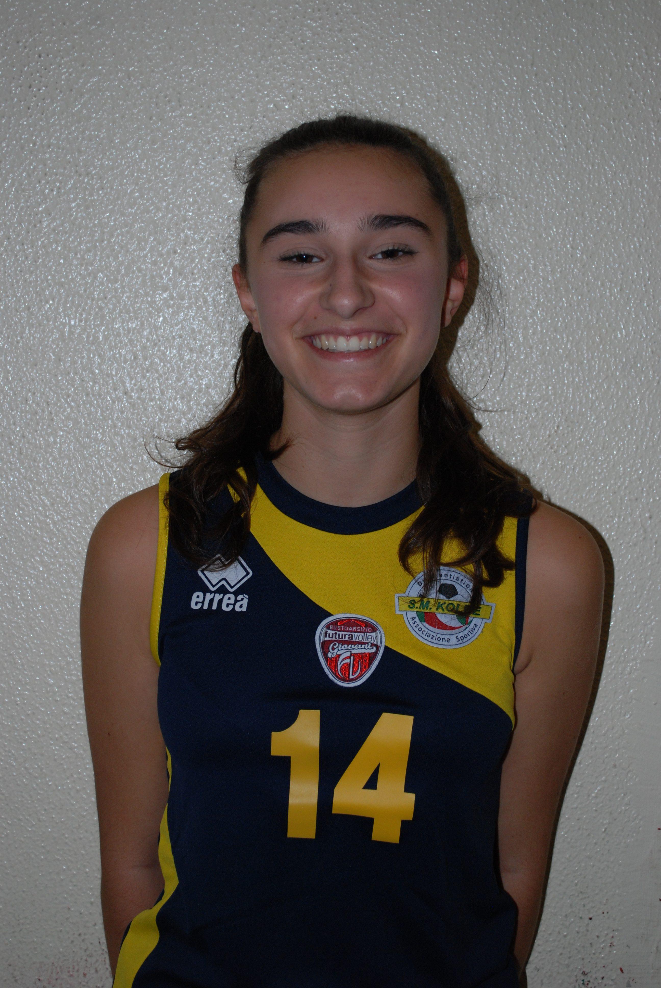 1 Desiree Fantoni